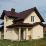 дом приусадебного типа с хоз. постройками и сооружениями